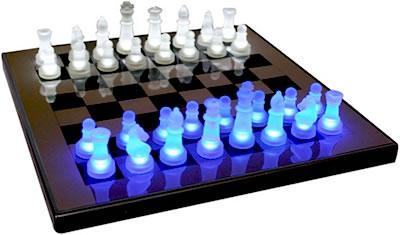 http://blogs.smbosque.es/ciencias/files/2015/01/ajedrez-led-tron.jpg